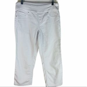 ethyl classic white cropped pull on pants size 4
